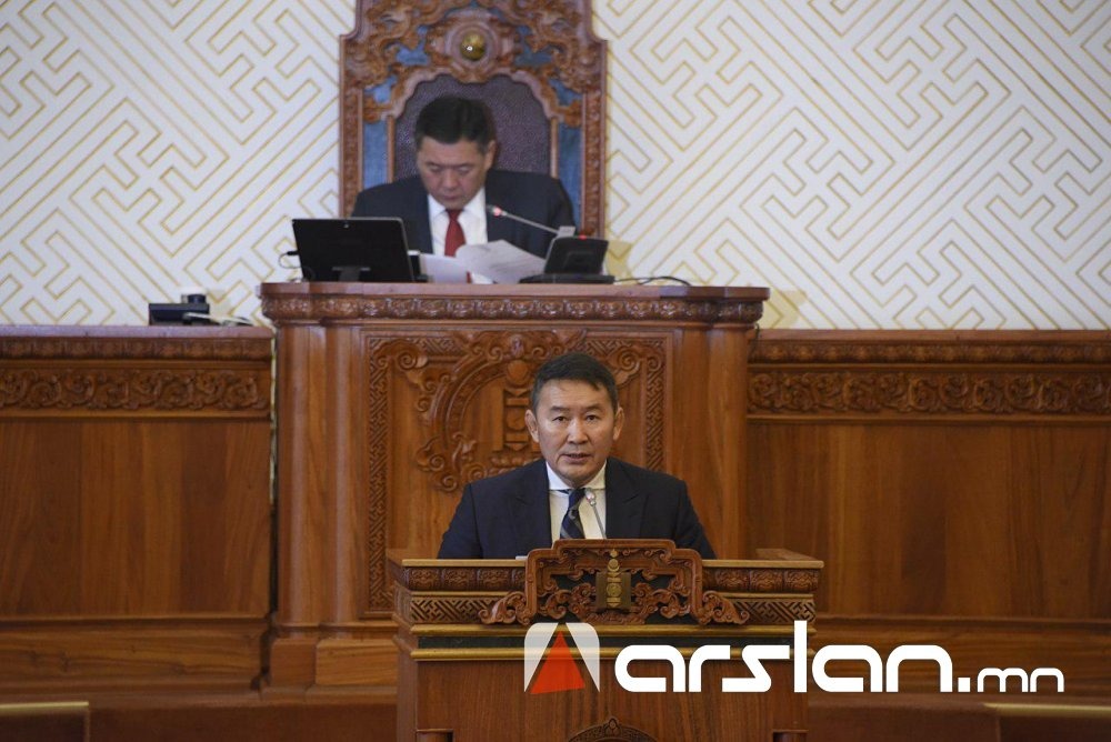 Ерөнхийлөгч УИХ-ын чуулганы хуралдаанд оролцож байна