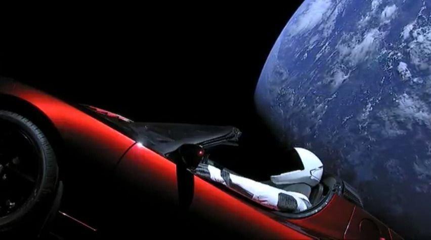 Илон Маскийн автомашиныг сансар огторгуйн хаана явааг харах боломжтой болжээ