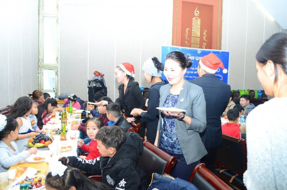 7997wi3sb2 Хөгжлийн бэрхшээлтэй хүүхдүүдийн ХҮСЛИЙГ биелүүлсэн шинэ жил