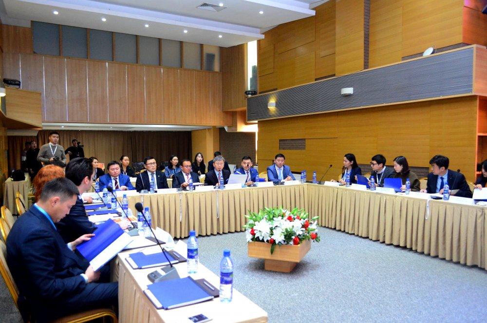 Зүүн хойд Азийн Эксим банкуудын холбооны ажлын хэсгийн хурлыг ХӨГЖЛИЙН БАНК удирдаж байна
