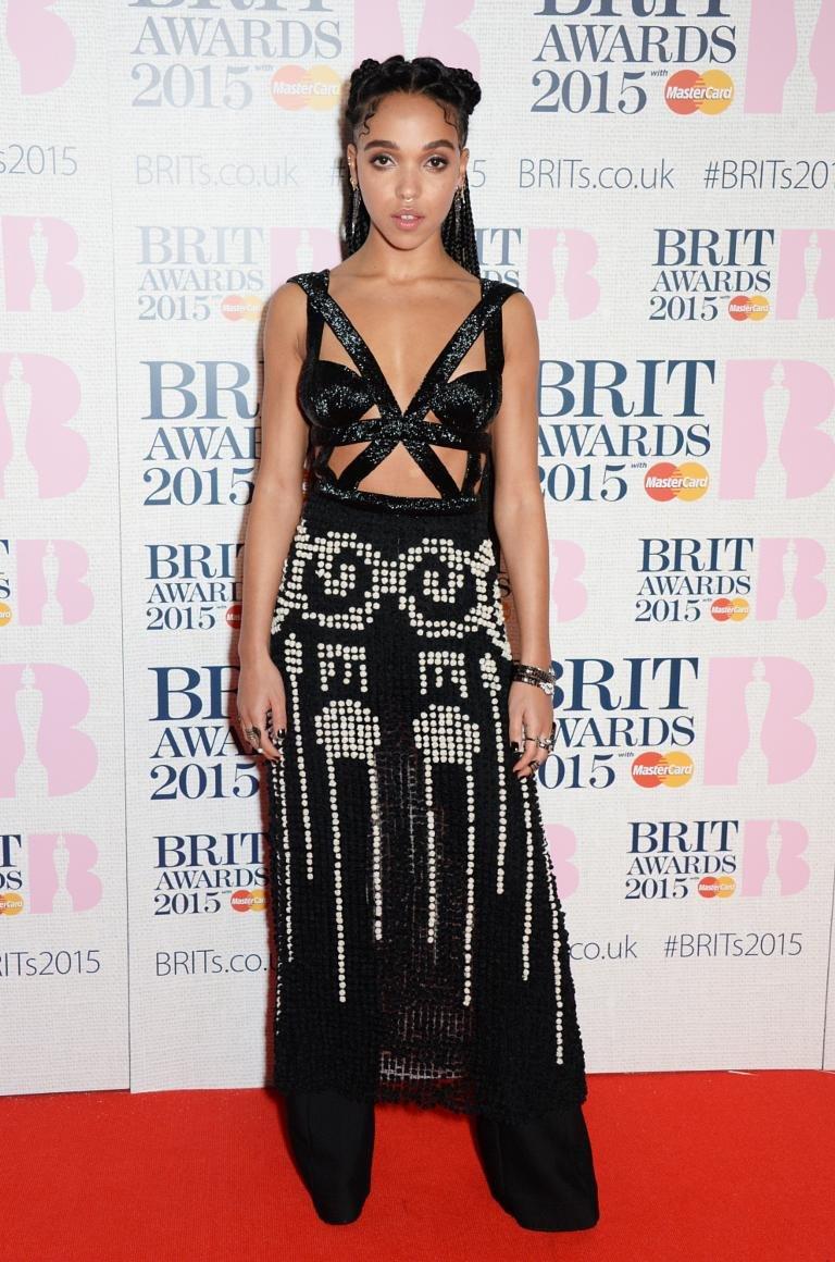 Brit Awards 2018:  Улаан хивсэн дээрх шилдэг төрхүүд Arslan.mn