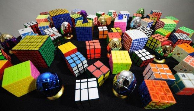 Рубикийн шоог 0.38 секундэд эвлүүлж шинэ дээд амжилт тогтоожээ