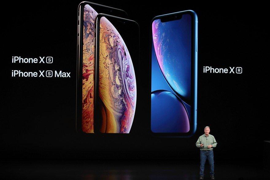 """БНХАУ: Ухаалаг гар утасны зах зээлийн 92 хувийг """"Apple"""", """"Samsung"""", """"Xiaomi"""", """"Huawei"""" компани хангаж байна"""