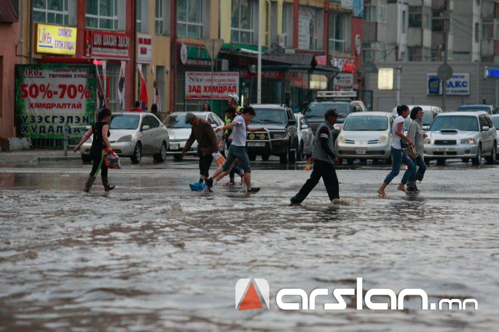 Усархаг бороо орох тул үер усны аюулаас сэрэмжтэй байхыг анхааруулж байна