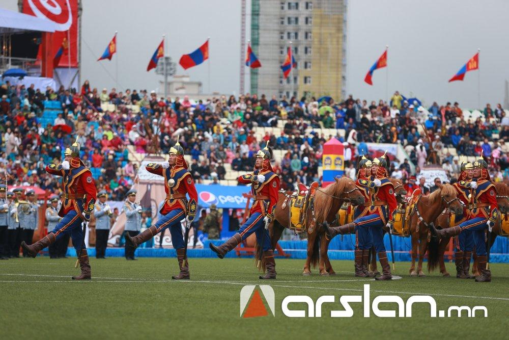 ФОТО: Дэлхийд ганцхан Монгол наадам эхэллээ