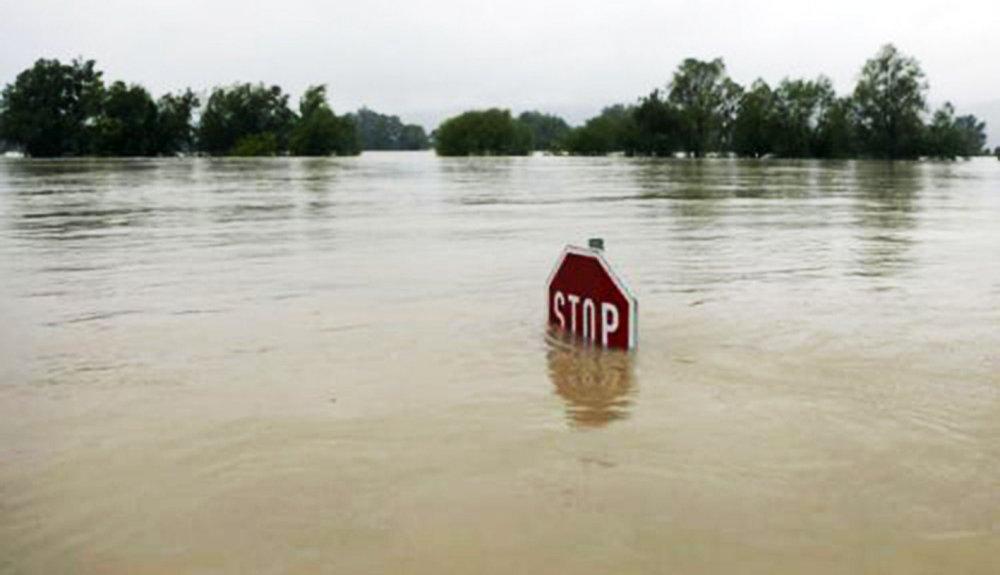 ШУУРХАЙ МЭДЭЭ: Дархан, Сэлэнгийн чиглэлд замд гарахгүй байхыг анхааруулж байна