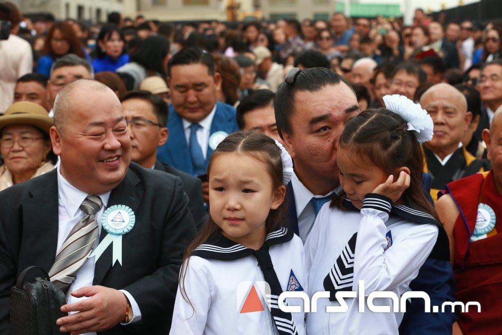 """ФОТО: """"Шинэ монгол Харумафүжи"""" сургуулийн хичээлийн шинэ жилийн нээлт боллоо"""