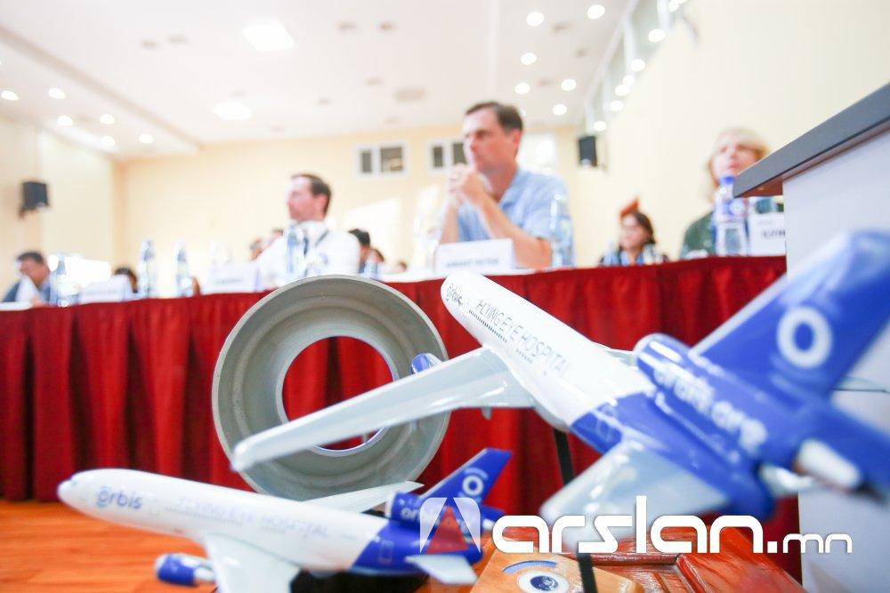 Орбис Нүдний Нисдэг Эмнэлгийнхэн 256 эмч мэргэжилтнийг бэлдэж, 225 хүнд тусламж үзүүлнэ