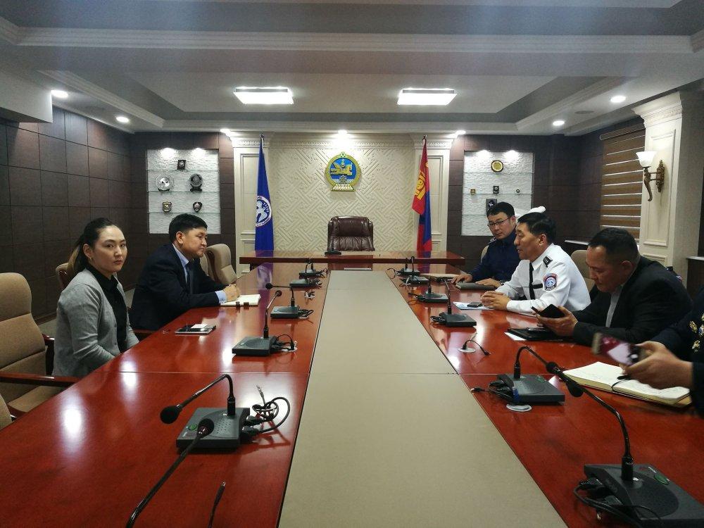 БНХАУ-аас Монгол улсад суугаа ЭСЯ-аас дараалал үүссэнтэй холбогдуулан арга хэмжээ авахаар боллоо Arslan.mn