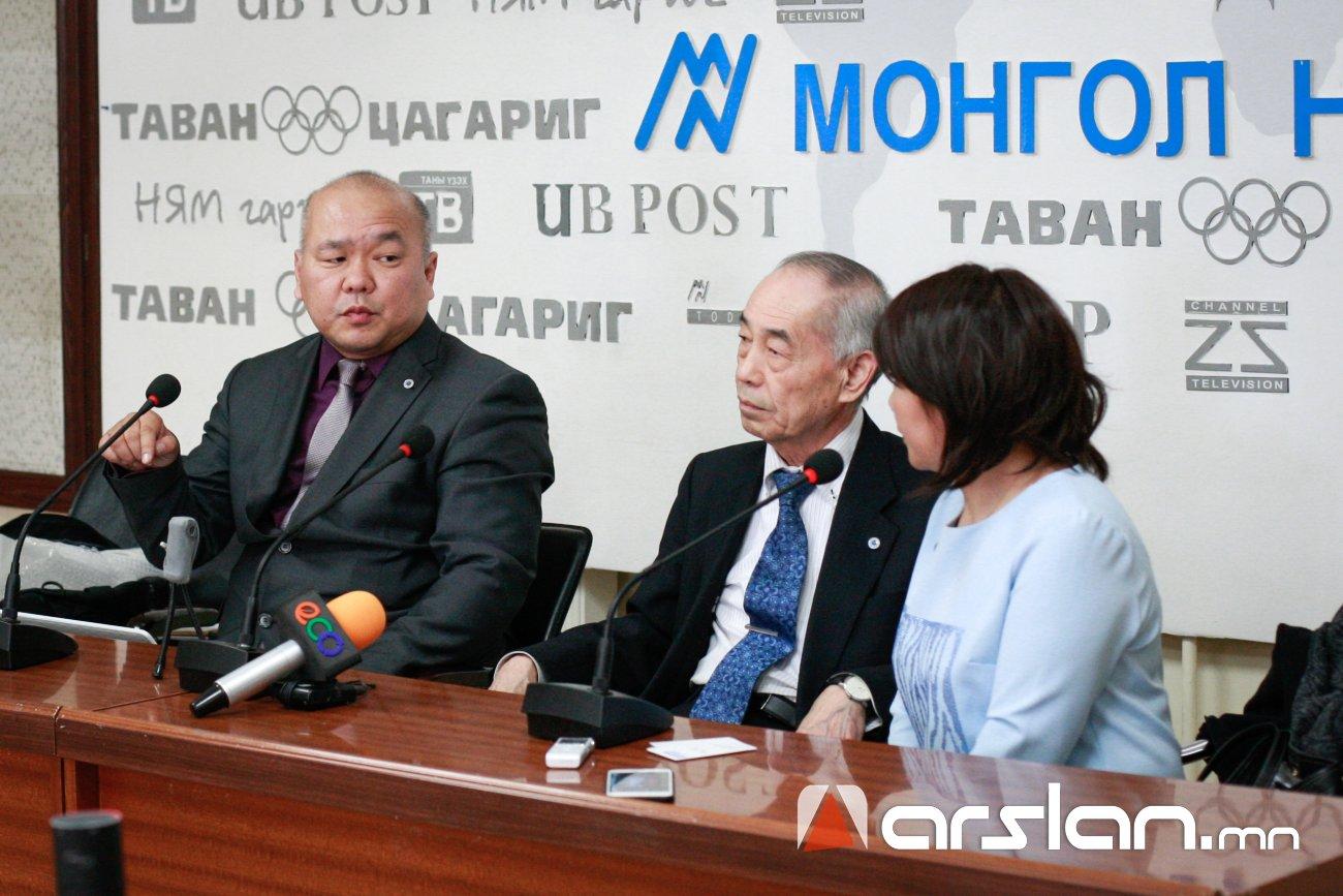 Японы эрдэмтэн ямар ч өвчнийг эдгээх боломжтой төхөөрөмжийг Монголчуудад танилцууллаа