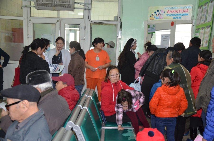 Дүүргүүдийн нэгдсэн эмнэлэгт нэмэлтээр эмч ажиллуулж байна