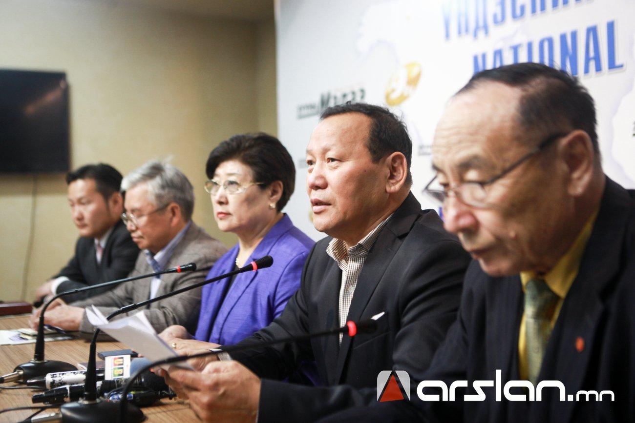Ц.Оюунбаатар: Улсын дээд шүүх намын захиалгаар ажиллаж байна