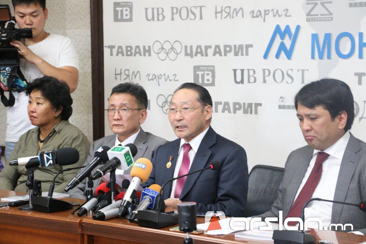 """Монгол Улсын """"ӨРИЙН СААРАЛ НОМ""""-ыг Ерөнхий сайдад хүргүүлнэ"""