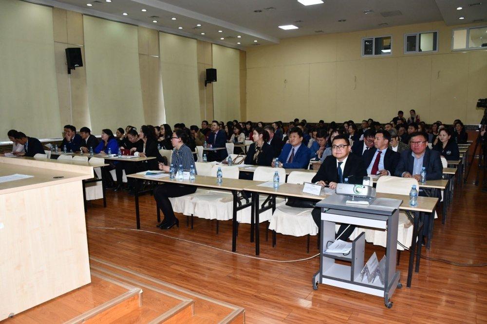 Монгол Улсын эрүүл мэндийн 139 ажилтан гадаадын 7 улсад суралцана