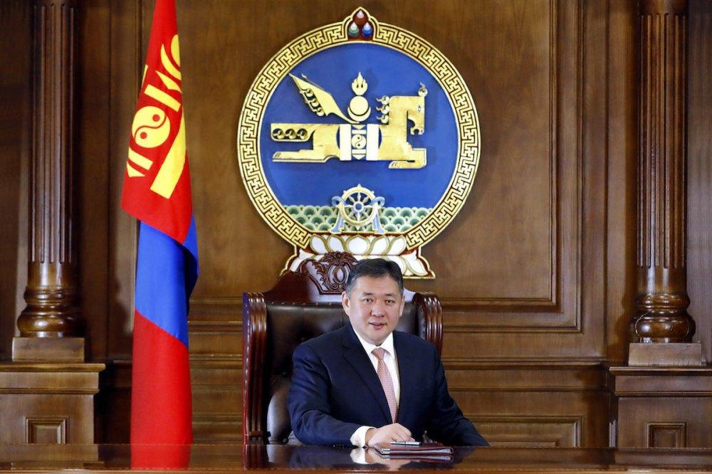 Монгол Улсын Үндсэн хуулийн өдрийг тохиолдуулан УИХ-ын дарга мэндчилгээ дэвшүүллээ