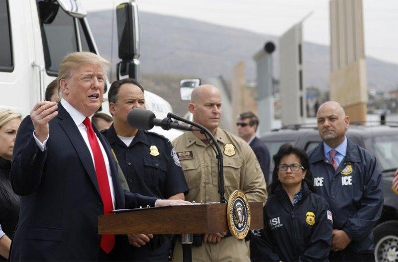 АНУ-ын ерөнхийлөгч ирэх өдрүүдэд Мексиктэй залгаа хил дээр очно