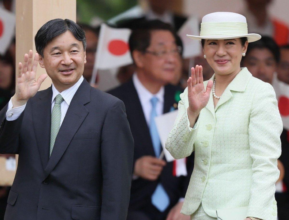 Өнөөдөр Японы Эзэн хааныг хаан сэнтийд заларсныг тунхаглана