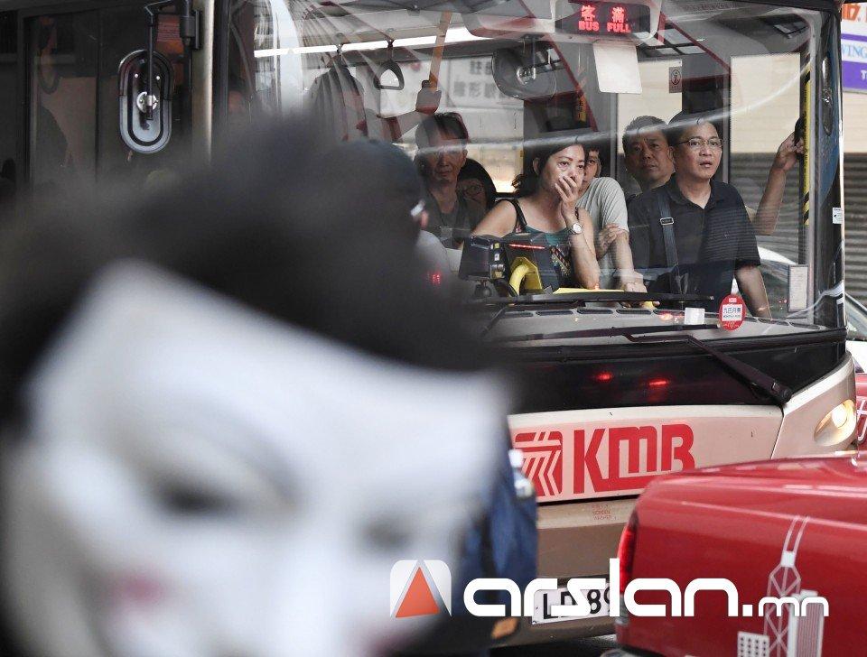ФОТО: Хонконгт дахин 201 хүнийг баривчилжээ