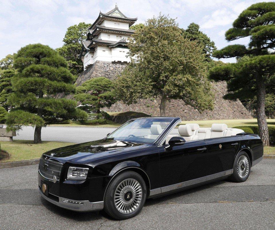 ТАНИЛЦ: Японы Эзэн хааны парадад оролцох тээврийн хэрэгсэл