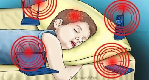 ЭМЧ ЗӨВЛӨЖ БАЙНА: Хүүхэд утаснаас ялгарч буй цацраг туяаг тархиндаа шингээж байдаг
