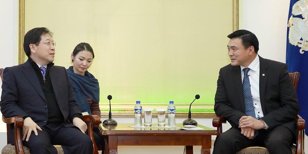 Солонгосын орон сууц корпорацийн ерөнхийлөгчийг хүлээн авч уулзлаа