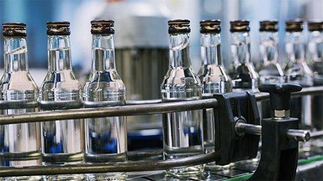 Долоон компанийн согтууруулах ундаа үйлдвэрлэх эрхийг ХҮЧИНГҮЙ болгожээ
