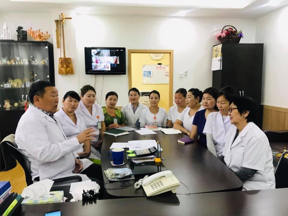 Сэлэнгэ аймгийн 9 сувилагч ХӨСҮТ-д ажлын байрны дадлага, сургалтанд хамрагдаж байна