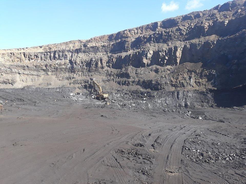 Могойн голын уурхайн нурах эрсдэлтэй хэсэгт нүүрс олборлохыг түр хугацаагаар зогсоожээ