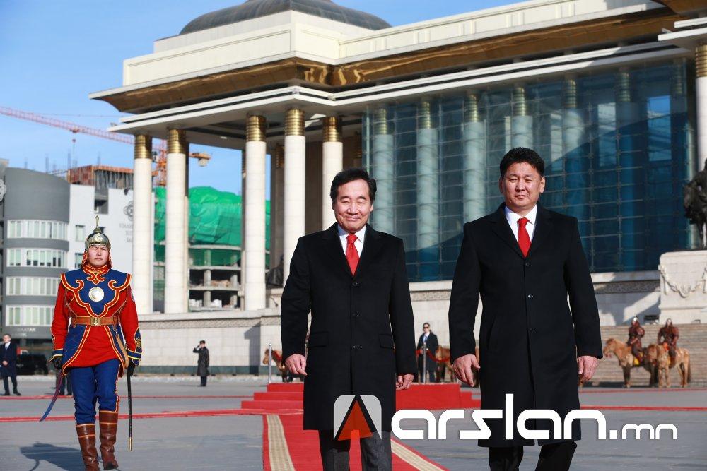 ФОТО: БНСУ-ын Ерөнхий сайд Ли Наг Ён дөрвөн жилийн дараа Монгол улсад дахин айлчилж байна