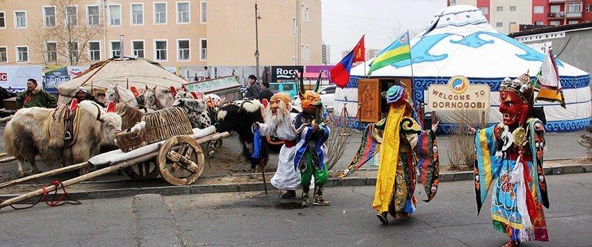 Нүүдэлчин Монголд жуулчин урьсан өдрүүд