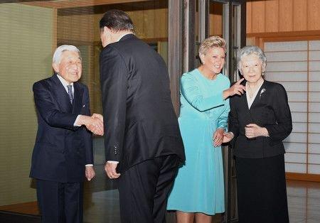 Японы эзэн хаан Акихито өндөр түвшний төлөөлөгчтэй сүүлийн уулзалтаа хийжээ