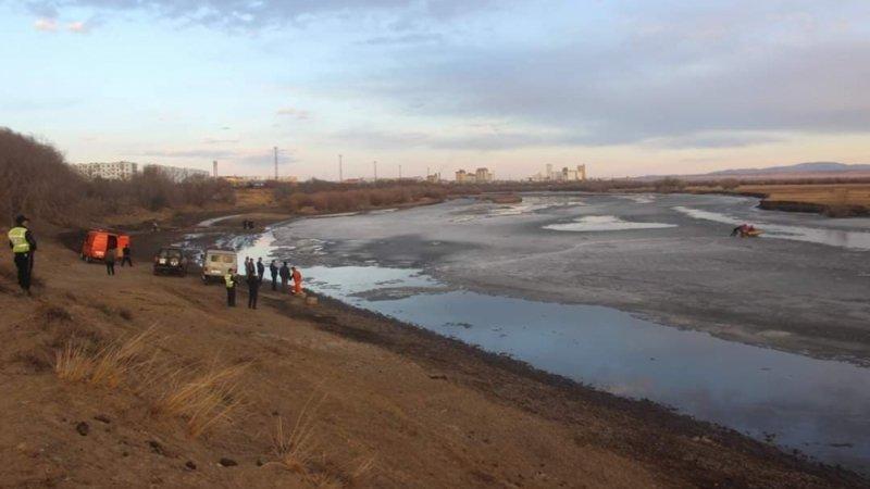 Орхон голын мөс цөмөрч, хүн осолджээ