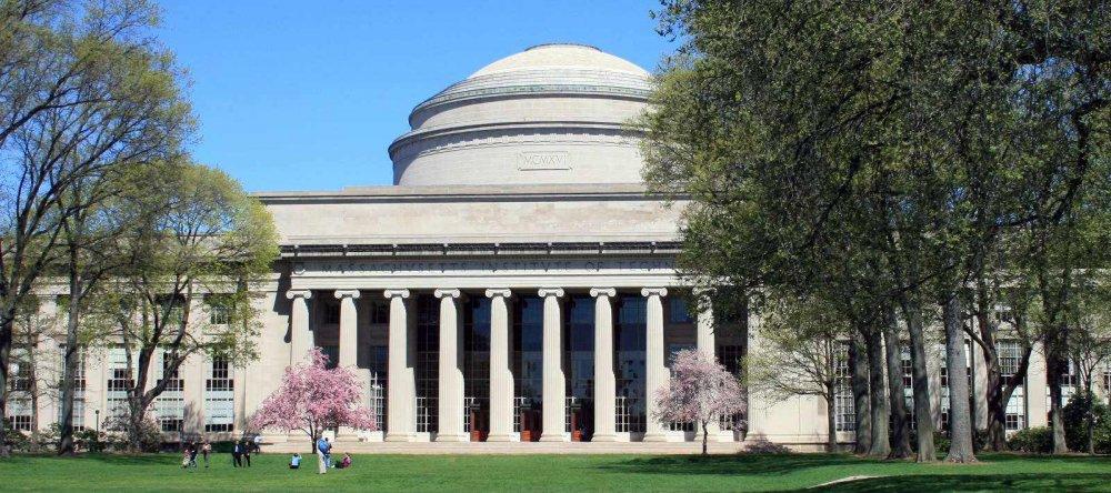 ЖАГСААЛТ: АНУ-ын их сургуулиуд дахин шилдгээр шалгарчээ