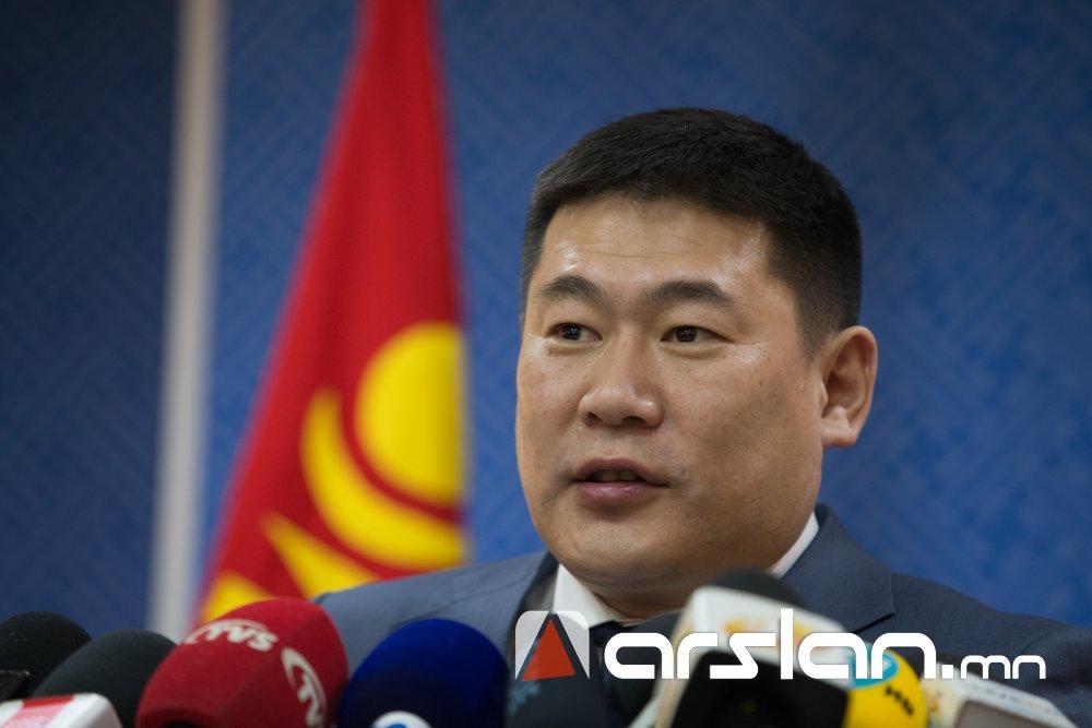 Л.Оюун-Эрдэнэ: БНСУ-ын казиногийн байнгын үйлчлүүлэгч Монгол төрийн албан тушаалтнуудын нэрийг гаргуулж авсан