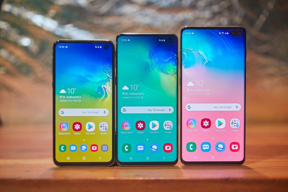 """""""Samsung"""" компани """"5G"""" сүлжээг дэмждэг анхны УХААЛАГ ГАР УТСАА гаргана"""