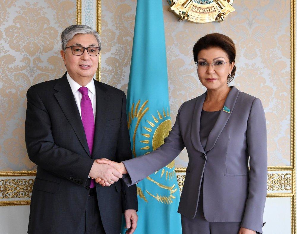 Н.Назарбаевын том охин Сенатын танхимын дарга болов