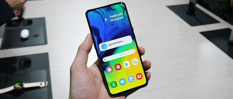 """ТЕХНОЛОГИ: """"Samsung"""" компани """"Galaxy А80"""" эргэдэг камертай утас танилцууллаа"""