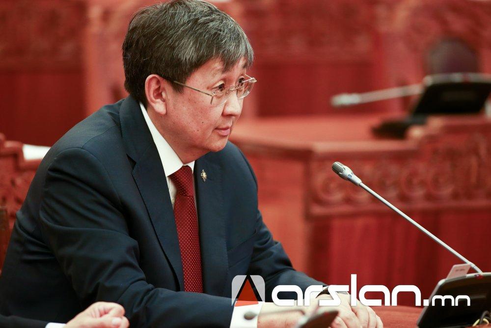 Ч.Хүрэлбаатар: Хүчингүй болсон хуульд хориг тавьсан буруугаа З.Энхболд хүлээчихсэн
