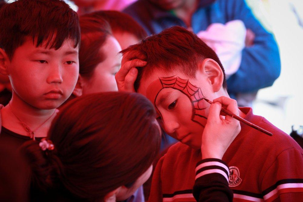 eictf НИТХ-ын төлөөлөгч П.Баярхүү Сүхбаатар дүүргийн 17,18,19,20-р хорооны хүүхэд багачуудыг баярлууллаа