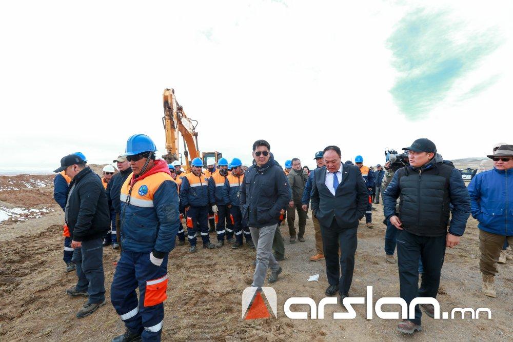 ФОТО: Говь-Алтай аймагт цэвэр усны 54 км урт шугам хоолой татаж байна