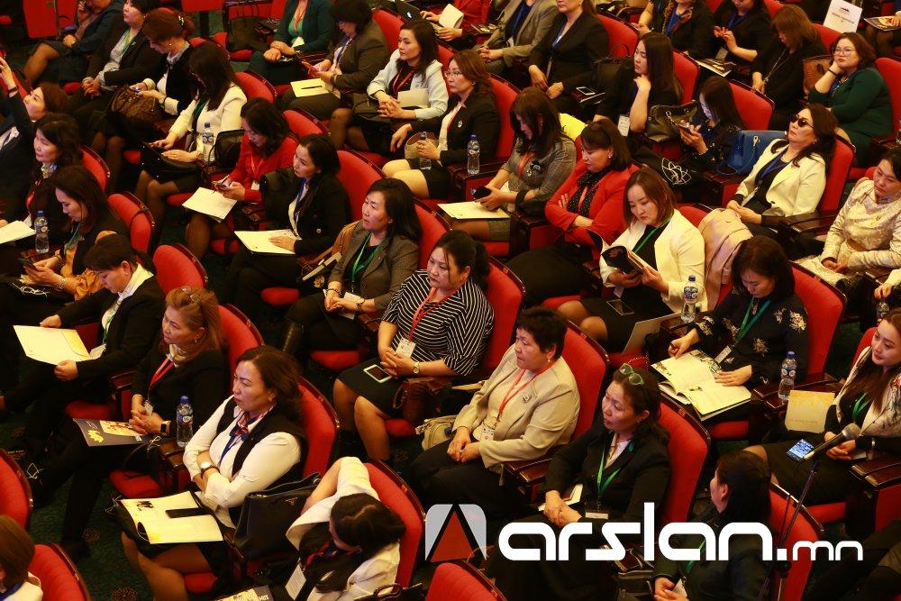ФОТО:  Уул уурхай, олборлолтын салбарт ажиллагсдын 14 хувийг эмэгтэйчүүд эзэлж байна