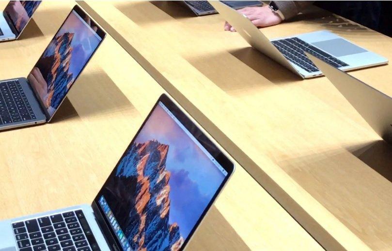 """ТЕХНОЛОГИ: """"Apple"""" компани""""MacBook Pro""""  компьютерийнхаа шинэчилсэн загварыг танилцууллаа"""