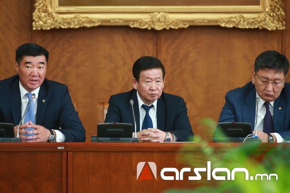 ҮНДСЭН ХУУЛЬ: Монгол Улсын Ерөнхийлөгчийг 6 жилийн хугацаагаар НЭГ УДАА сонгоно