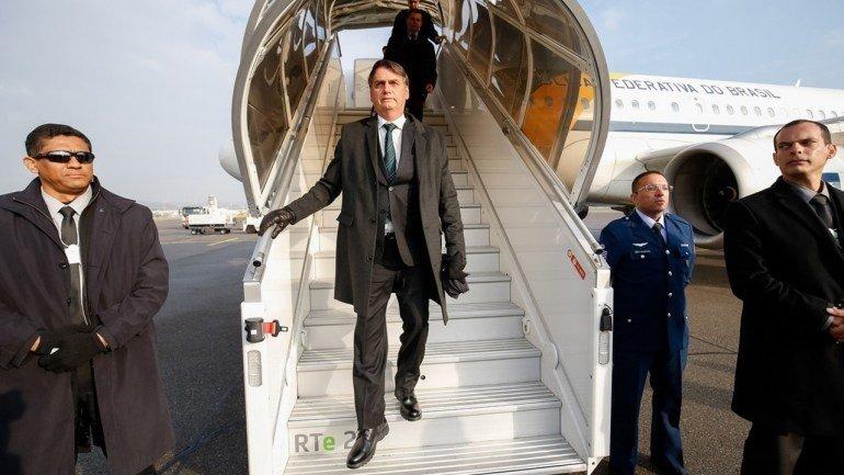 Бразилийн ерөнхийлөгчтэй хамт явсан офицерын ачаанаас 39 кг кокайн илрүүлжээ