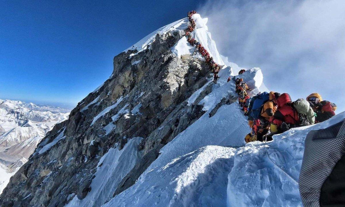 Балбын засгийн газар Эверестийн оргилд авирах УУЛЧДАД зориулан шинэ ЖУРАМ гаргажээ
