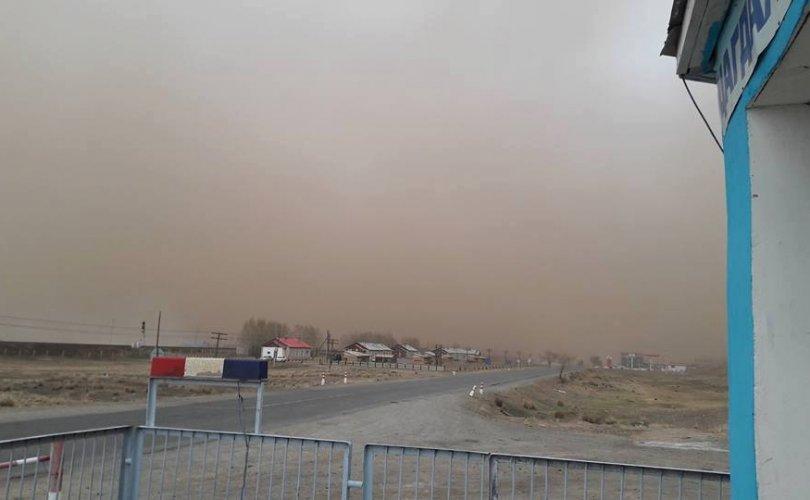 Ширүүн бороо, мөндөр орсны улмаас 5 айлын гэр нуржээ