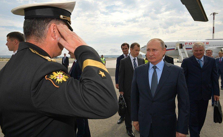 ФОТО: Владимир Путин Франц улсад  АЙЛЧИЛЖ байна