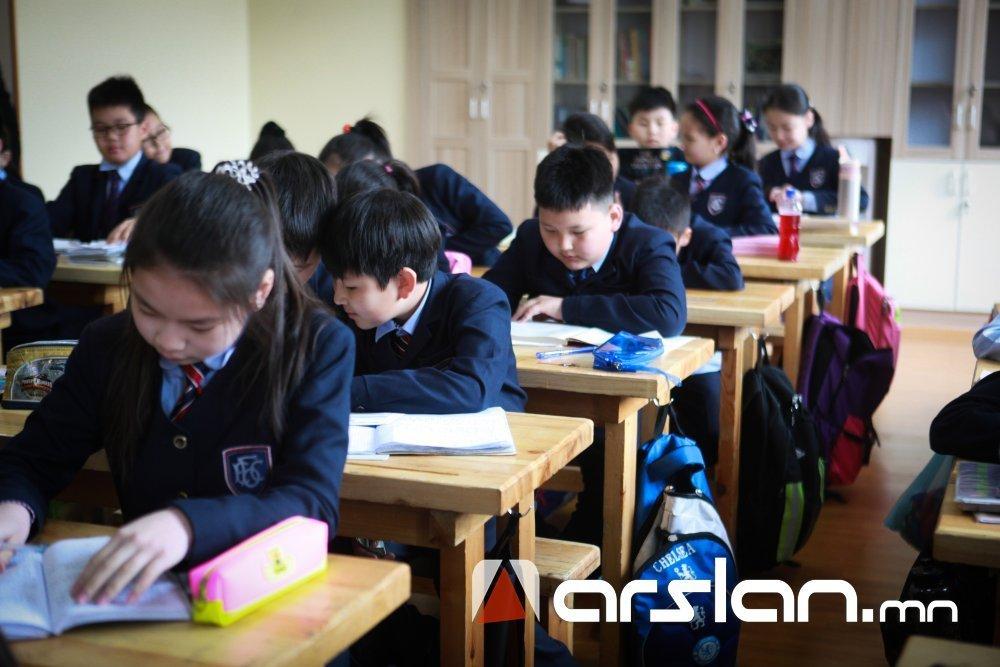 ЕБС-ын багш нар сурагчдын ирцийг гар утас дээрээ бүртгэнэ