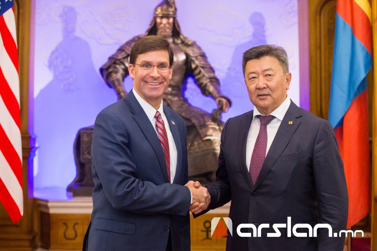 Монгол-АНУ-ын батлан хамгаалах салбарын харилцаа, хамтын ажиллагааны талаар санал солилцлоо
