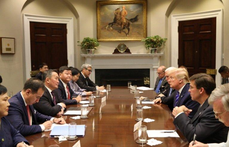 Монгол Улсын Ерөнхийлөгч Х.Баттулга АНУ-ын Ерөнхийлөгч Дональд Трамп нар албан ёсны хэлэлцээ хийлээ